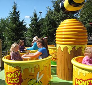 Twirling Honey Pots