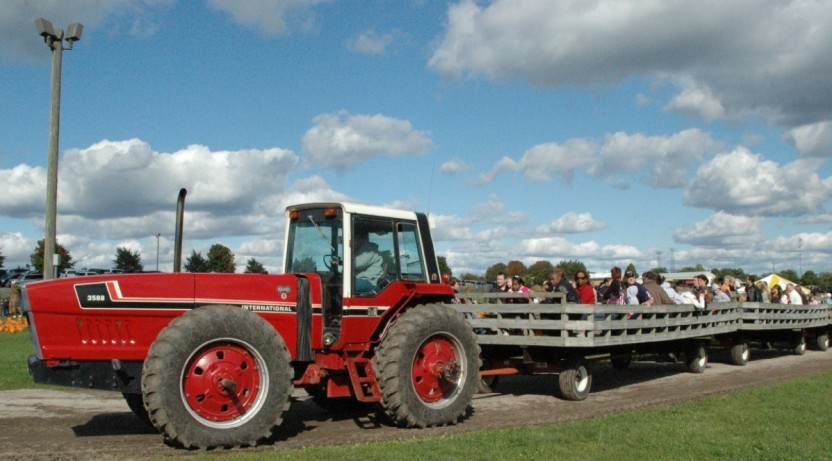 Tractor Pulled Wagon Ride at Bengtson Farm